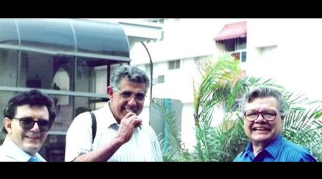 Rubén Aguirre junto a Gabriel Fernández y Raúl Padilla en las inmediaciones de Televisa. Foto: Cortesía.