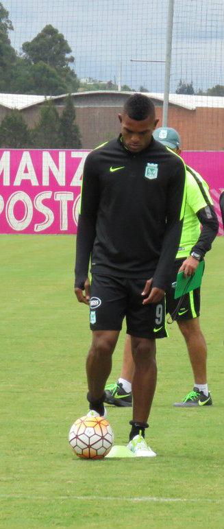 Miguel Borja, el nuevo delantero verde, fue la gran novedad durante la práctica. Foto: CORTESÍA