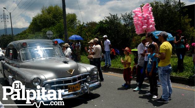 Desfile_Autos_Clásicos_Antigoos_Palpitar (2)