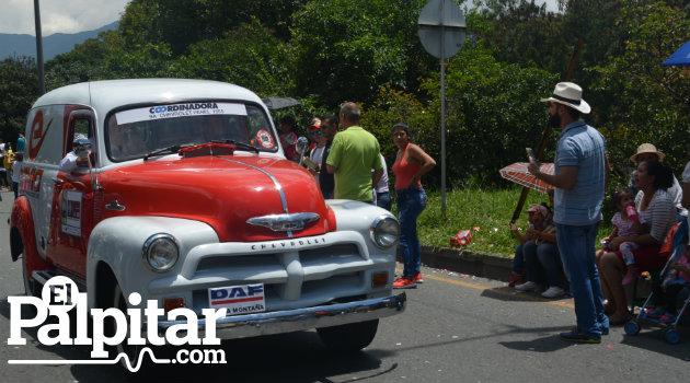 Desfile_Autos_Clásicos_Antigoos_Palpitar (28)