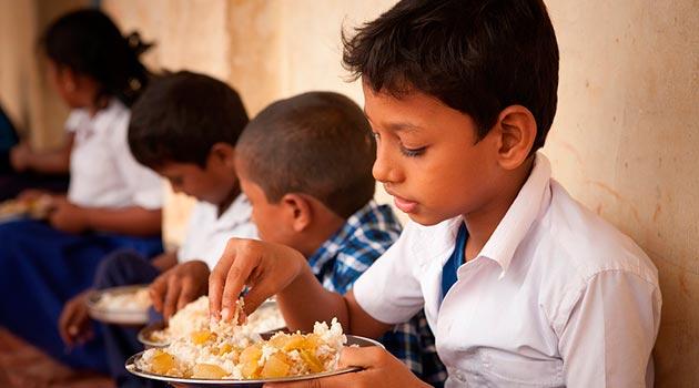 niños_alimento_desnutrición2
