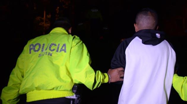 policia_perros_allanamiento2