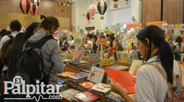Fiesta-Libro-2016-Palpitar- (12)