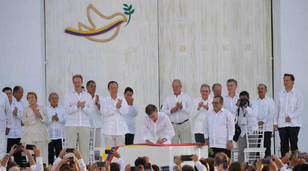Firma-de-la-Paz-Cortesía1