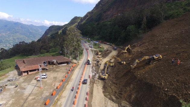 Autopista_Medellín_Bogotá_Derrumbe