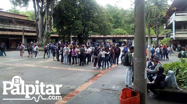 UniversidaddeAntioquia_Disturbios2_El_Palpitar