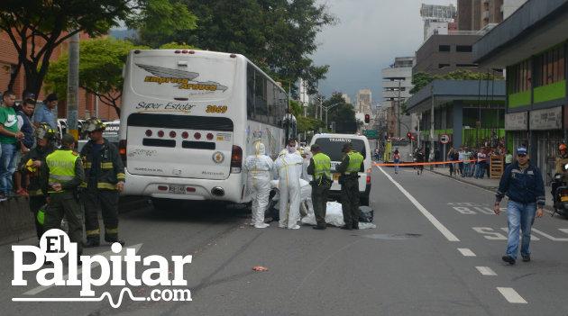 bomberos_accidente_motociclista_muerto_colombia2