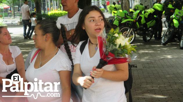 flores_atanasio_homenaje2