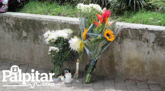 flores_atanasio_homenaje3