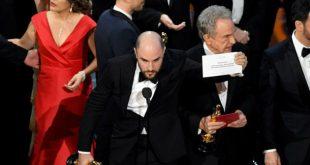 """Video: En los Oscar se revivió el error de """"Miss Universo"""" con la Mejor Película"""