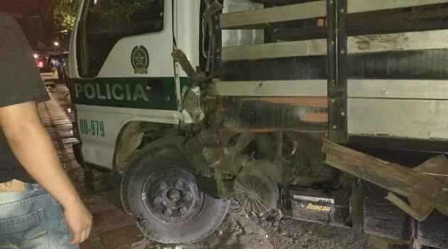 El vehículo resultó afectado. Foto: cortesía.