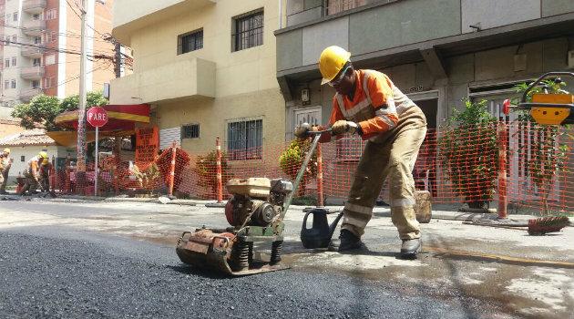 cuadrilla_huecos_vías_asfalto2