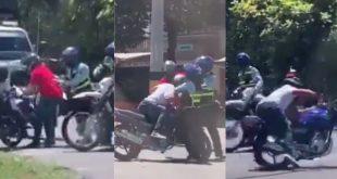 Una escena de acción: Motociclistas agredieron a agentes de Tránsito en Medellín